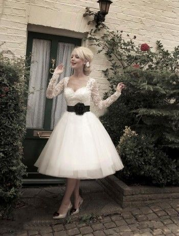 Gorgeous sweetheart lace ball gown long sleeves