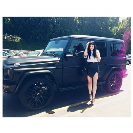 kylie jenner crashes 125000 mercedes after 16th birthday
