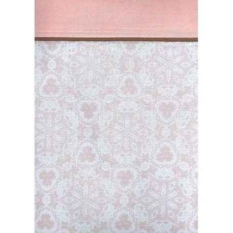 juego de sábanas París. Encuentra el diseño más exclusico con el juego de sábanas París de Trovador estampado caleidoscópico que podrás escoger entre dos colores lavanda y rosa. Incluye las tres piezas bajera ajustable para cama de 190/200 cm, encimera y funda de almohada. Máxima calidad en su confección 50% algodón 50% poliéster, cuentan con el certificado de control de sustancias nocivas.