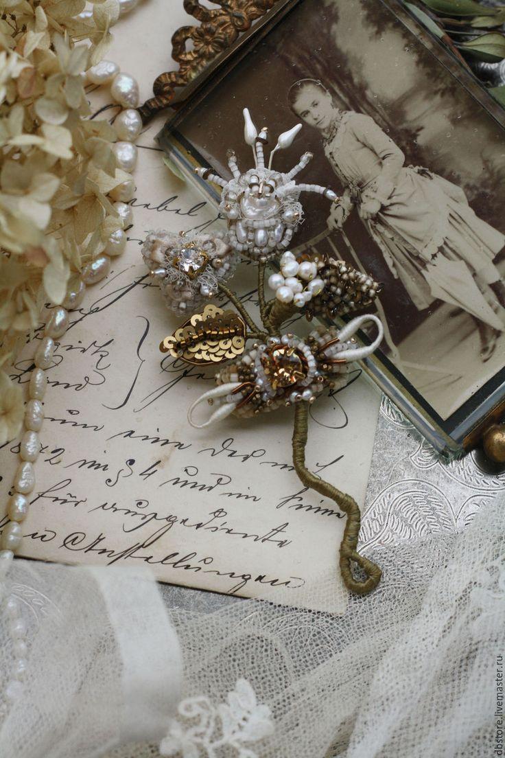 Купить Брошь веточка - белый, брошь винтажная, вышитая брошь, необычное украшение