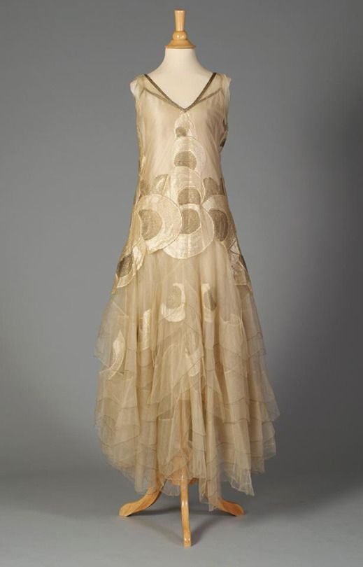 Evening dress, 1920s.