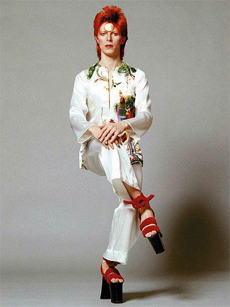 1973 Sukita Mime Sit - David Bowie Photos