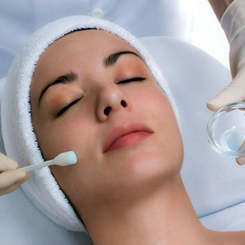 Do you want to know the latest acne treatments? Find out more on the various technologies used for the treatments of acne, wrinkles and fine lines.