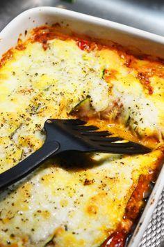 Heerlijke gezonde courgette lasagne met gehakt! Koolhydraatarm en zonder pakjes!