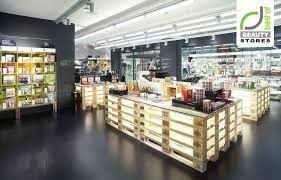 Картинки по запросу palette cosmetic shop design