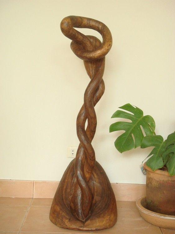 私の木の彫刻・《天空に伸びる芽》を写真に撮り、インクジェット・プリントした作品です。【国内配送分は、記載の販売価格から20%引きとします。(海外配送分の送料...|ハンドメイド、手作り、手仕事品の通販・販売・購入ならCreema。