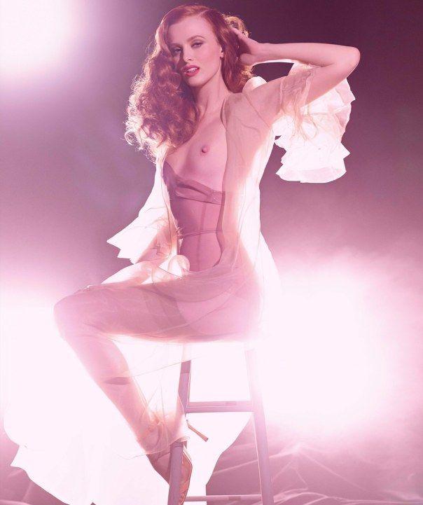 Calendário Pirelli 2015 | Adriana Lima, Raquel Zimmermann + mais por Steven Meisel [Models]