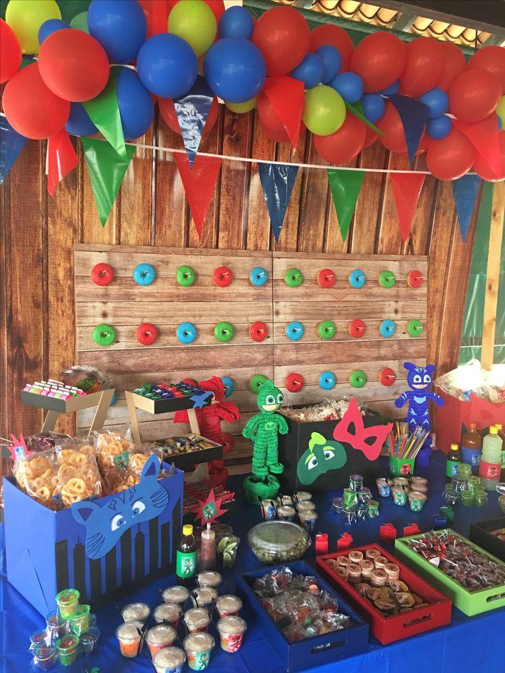 P+I DECO Decoración de Eventos! Fiesta PJ MASK mesa de postres, centros de mesa Visítanos en: www.facebook.com/pmasideco/