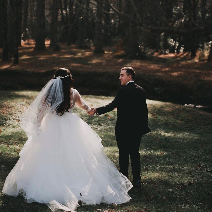Mountain Wedding Hayley Paige Elysia gown, cathedral veil, hair piece