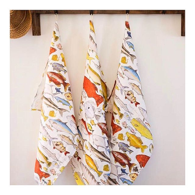 Our Dougal Fish Frenzy Tea Towels are made from the finest linen and are the perfect gift 🐟 #wearefamily #weloveaustralia #dougalaustralia #arabellaramsay