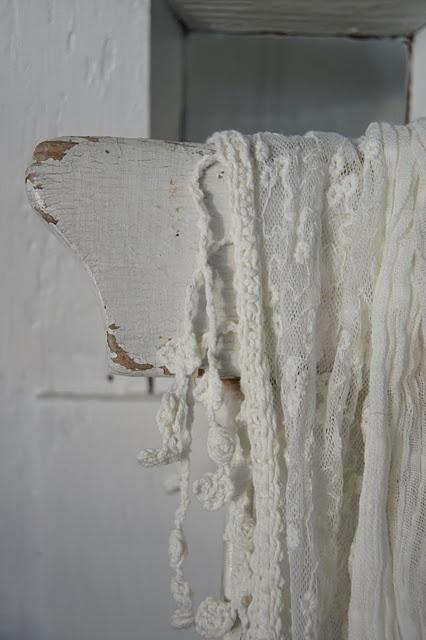 ... Cotton white cottage op Pinterest  Cottages, Vintage en Franse stijl
