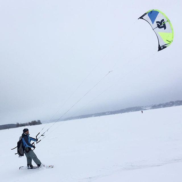 From oleg_makaninНовый день на споте !! Ветер 4-6 м/с ! Настроение на максимум ! Катаем на новом кайте takoon furia 2 , 13 метров ! #кайт #кайтсерфинг #сноуборд #сноукайтинг #сноукайтсерфинг #kite #kitesurfing #kiteboard #snowkiteboarding #snowkite #gopro #gopro4 #иваново37 #takoon #snowkiteboarding #sport #жизньвкайф #cabrinha #rebel #north #fone #myparadise #music #show #serf #board #wind #crazy #crazyfly #впечатления…