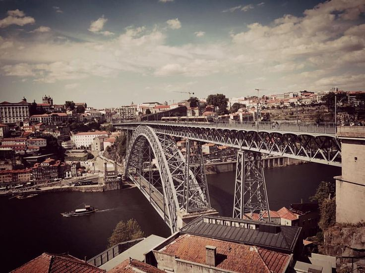 "13 Me gusta, 1 comentarios - HN aka ANNA (@itcrowduk) en Instagram: ""#PonteDeDLuís#DomLuísIBridge#RiverDouro#VilaNovaDeGaia#PonteLuísI#Porto#Oporto#Portugal#RepúblicaPortuguesa#Trip#Travel#Tour…"""
