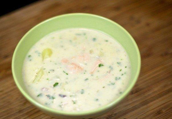 Фото к рецепту: Чаудер из лосося со сливками