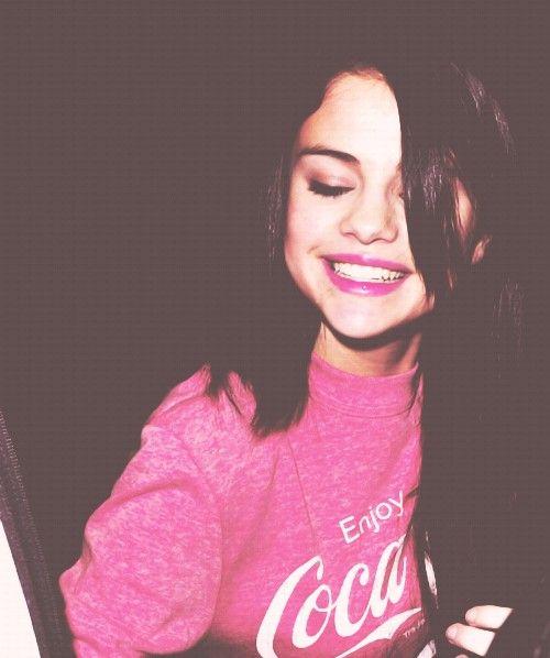 Selena Gomez's Cheesy Smile. Awww... How Adorable!