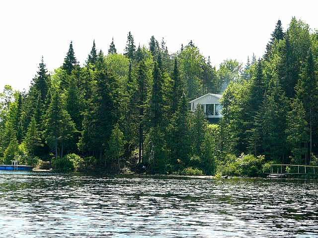 Cheap Lakeside Cottages You Can Rent Near Montreal This Summer | MTL Blog