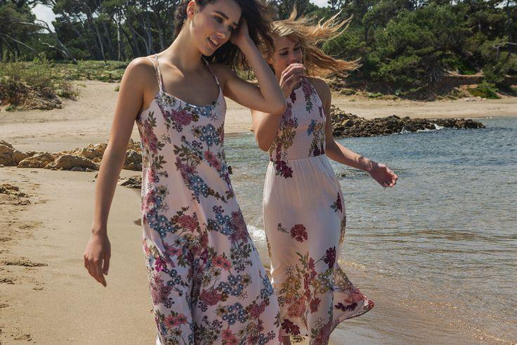 Новая коллекция Stradivarius «Летние цветы»