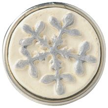 snow - Sneeuw wordt gezien als symbool voor sereniteit en vriendschap. Omdat geen enkele sneeuwvlok hetzelfde is, staat een afbeelding van het ijskristal voor authenticiteit.