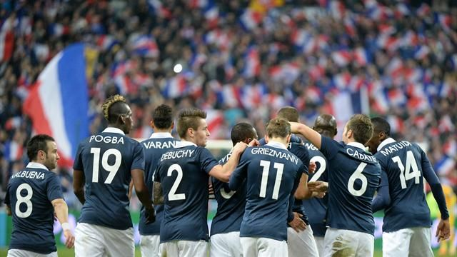 Les Bleus battent les Pays-Bas (2-0) avec deux buts de Benzema et Matuidi-Football-Matches amicaux