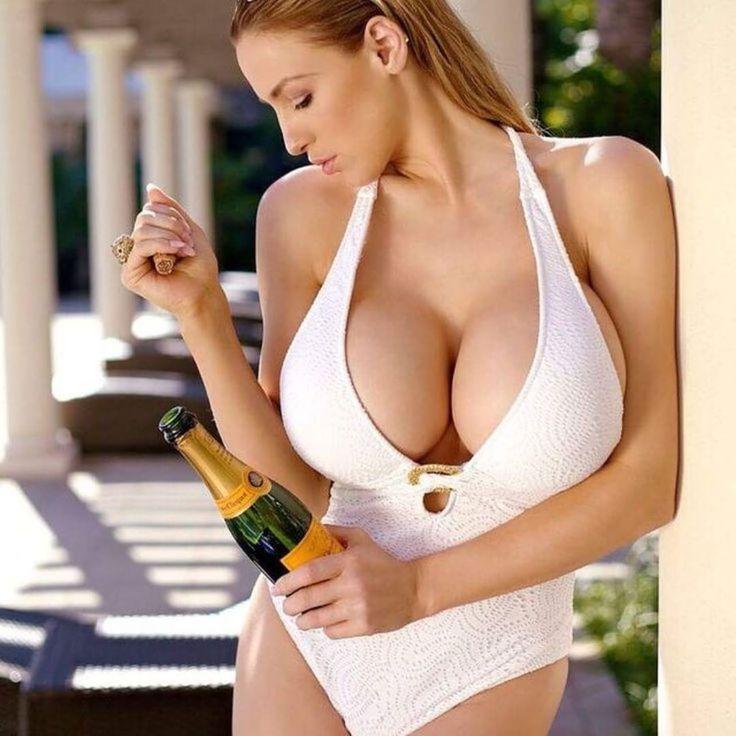 Topless wife with perfect breasts on beach boobs flash pics, milf flashing pics, public flashing pics, voyeur pics
