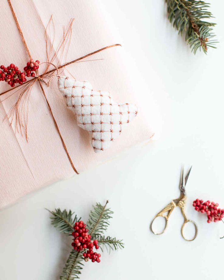 2558 best diy holiday decorations images on pinterest. Black Bedroom Furniture Sets. Home Design Ideas