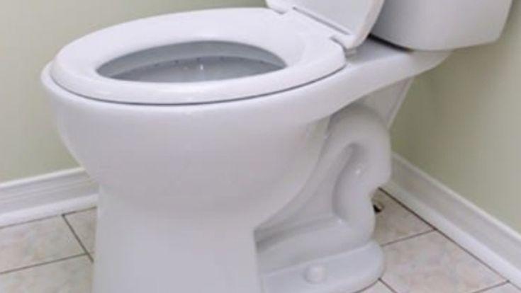 Ahhoz, hogy mindig ragyogjon a vécécsésze, nem szükséges durva vegyszereket használnod. Elő a sóval!