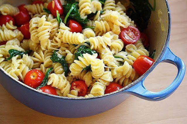 creamy lemon pasta with spinach & tomatoes: Pasta Salad, Spinach Tomatoes, Yummy Food, Lemon Pasta, Cooking, Favorite Recipes, Creamy Lemon