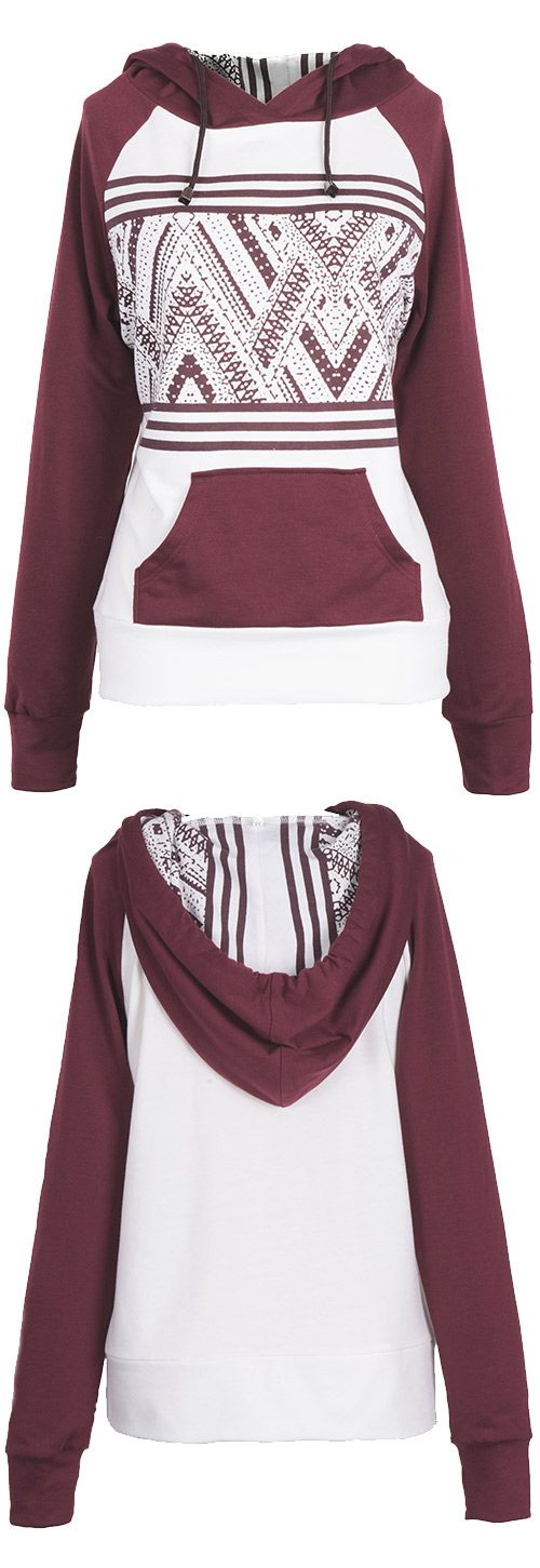 This contrast color sweatshirt is in it to win your heart! All those color look amazing together and that print is so eye catching! It's all so girlish and flattering!