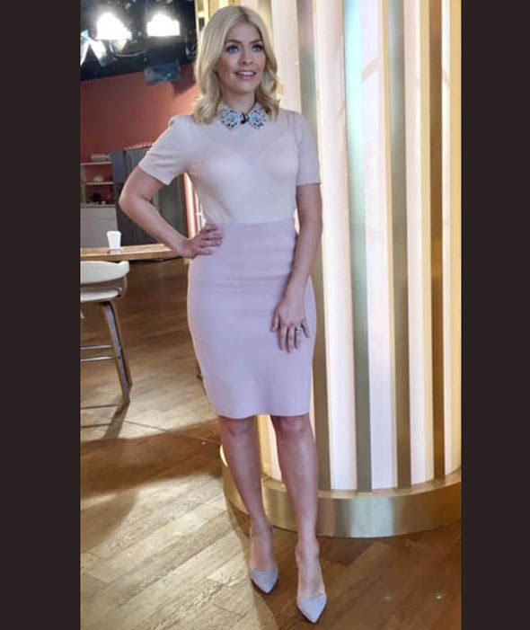 Holly Willoughby wears a pencil skirt by Winser London and Oasis top