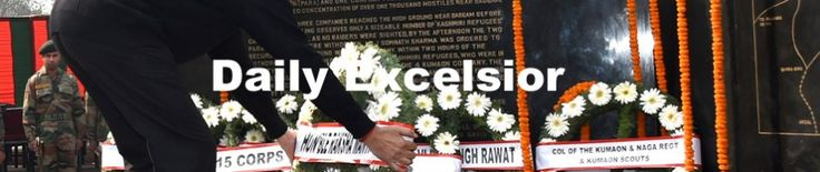 Defence Minister Manohar Parrikar laying floral on the memorial of Major Somnath Sharma and other soldiers to pay homage at Budgam in  Kashmir.Excelsior\shakeel-ul-Rehman
