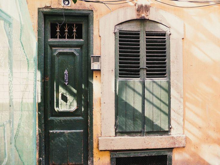 Игрушечная дверь в мой подъезд.  #барселона #испания #barcelona #spain #travel #vscorussia