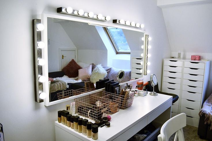 """These photos of beauty """"battle stations"""" will inspire you to organize your makeup collection, STAT"""