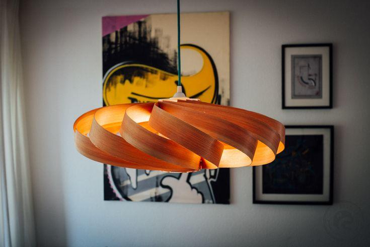 eine schicke lampe aus holzfurnier einfach und schnell. Black Bedroom Furniture Sets. Home Design Ideas