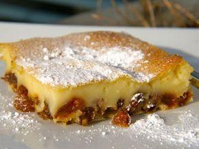 Far Breton is een dessert dat hoofdzakelijk in Bretagne wordt gemaakt. Origineel wordt de far Breton gemaakt met pruimen of rozijnen. Wanneer je ontpitte pruimen gebruikt voor dit recept is het niet nodig om ze in rum te weken.
