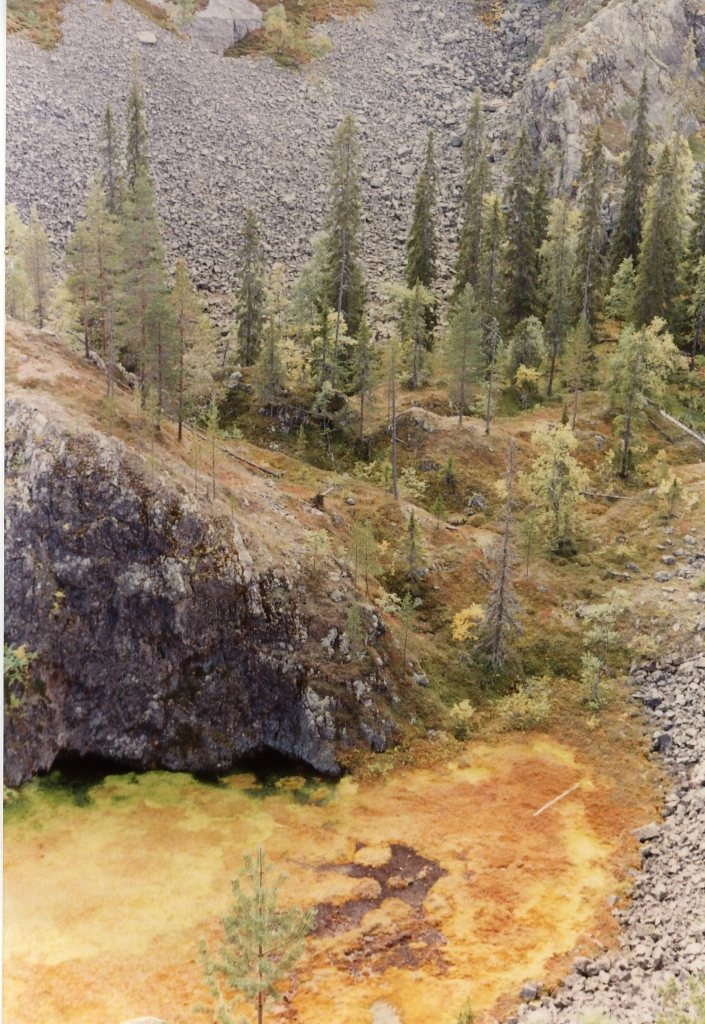 """Karhunjuomalampi """"Bear's Drinking Pond"""" in Pyhätunturi, #Lapland."""