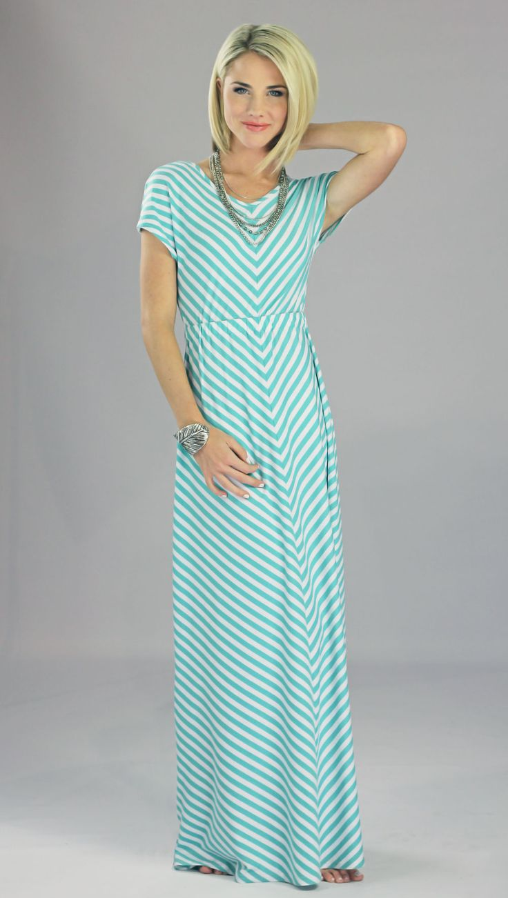 Love this maxi dress with sleeves! Lots of cute modest dresses on this site.
