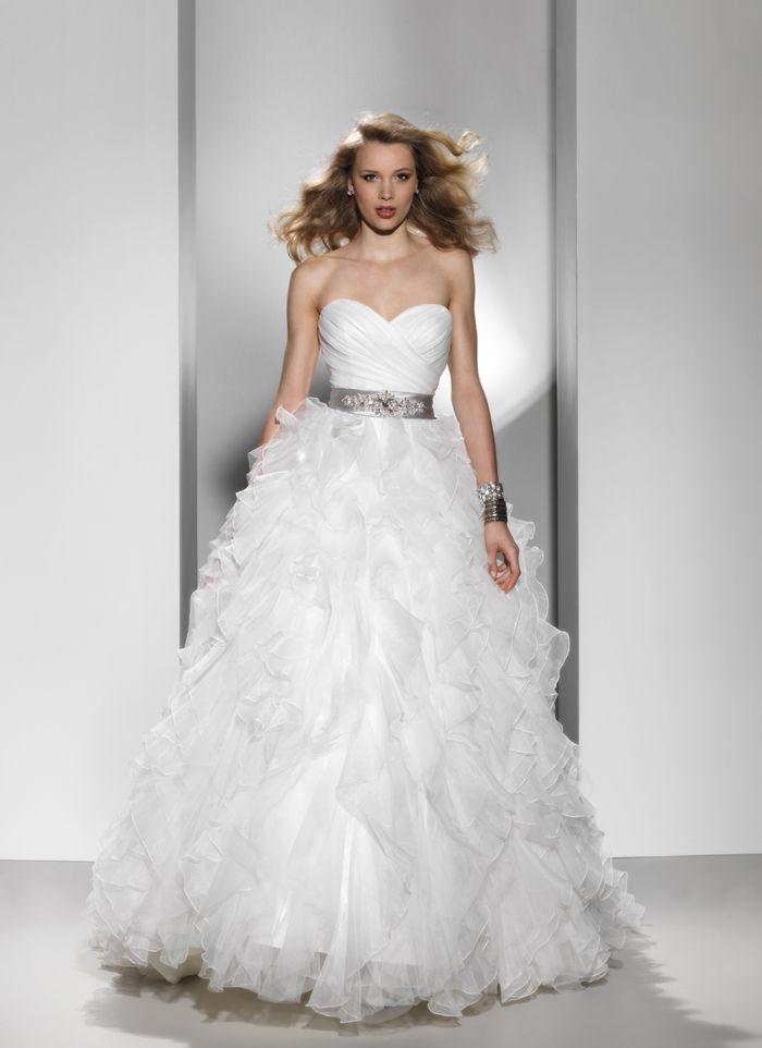Ball Gown Sweetheart Ruffles Wedding Dress