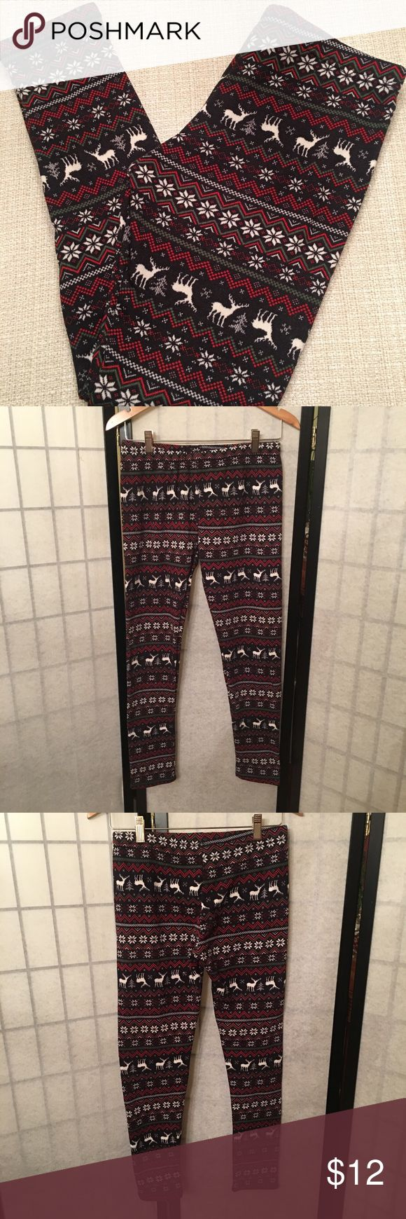 Christmas Fleece Leggings Size large, never worn.   Happy to bundle, check out my other items :)   Clean, non smoking home. Pants Leggings