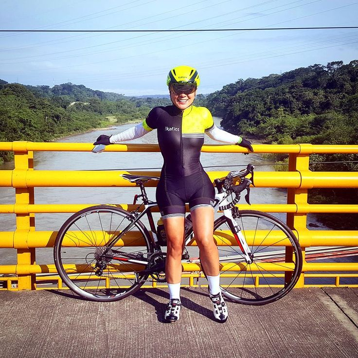 Ir a #Barrancabermeja desde #Bucaramanga es una de mis rutas favoritas para hacer fondo. Feliz de evidenciar el mejoramiento físico❤...y de sentirme siempre cómoda con @kafitt_sport ❤ #ambassadorkafitt #pedalnorth_images #scottbikes #bikegirl #cyclingkit