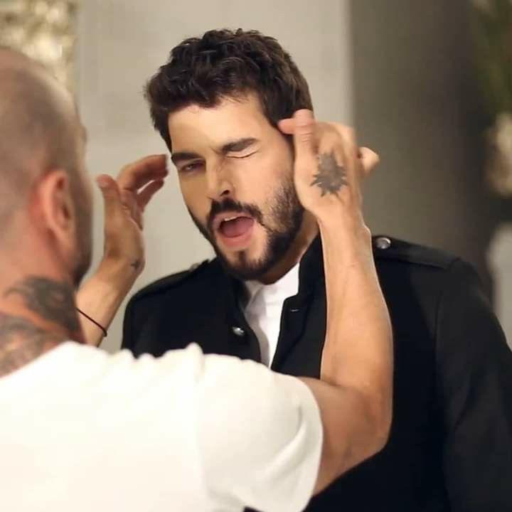 Pin By Anqaa Tayeh On Akin Akinozu Film Aesthetic Turkish Actors Turkish Men