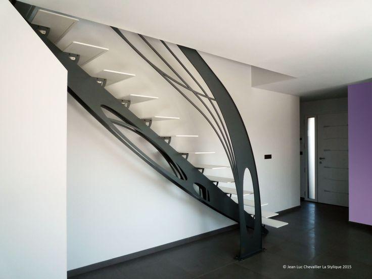 Escalier design quart tournant en métal Art Nouveau dessiné et conçu par Jean Luc Chevallier pour La Stylique.