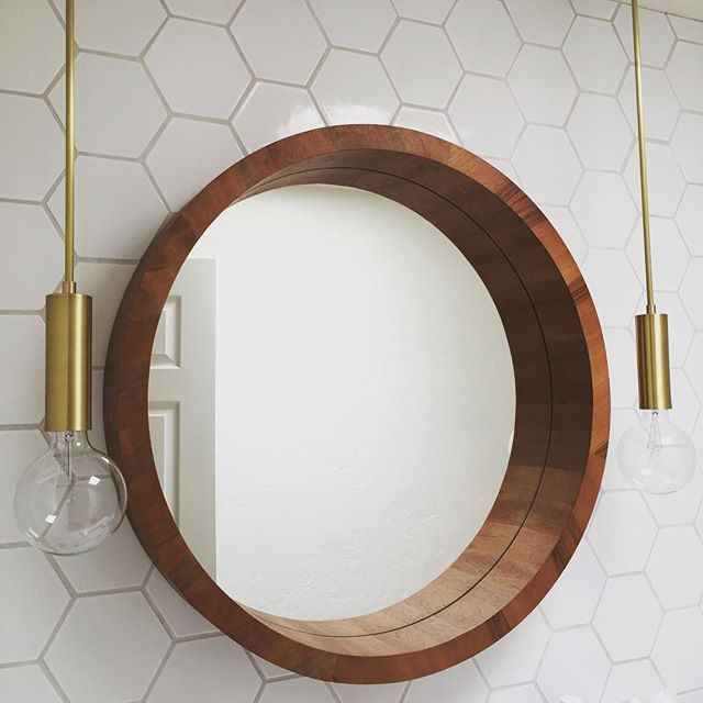 Bathroom Light Fixtures Chicago: 25+ Best Ideas About Mirror With Light Bulbs On Pinterest