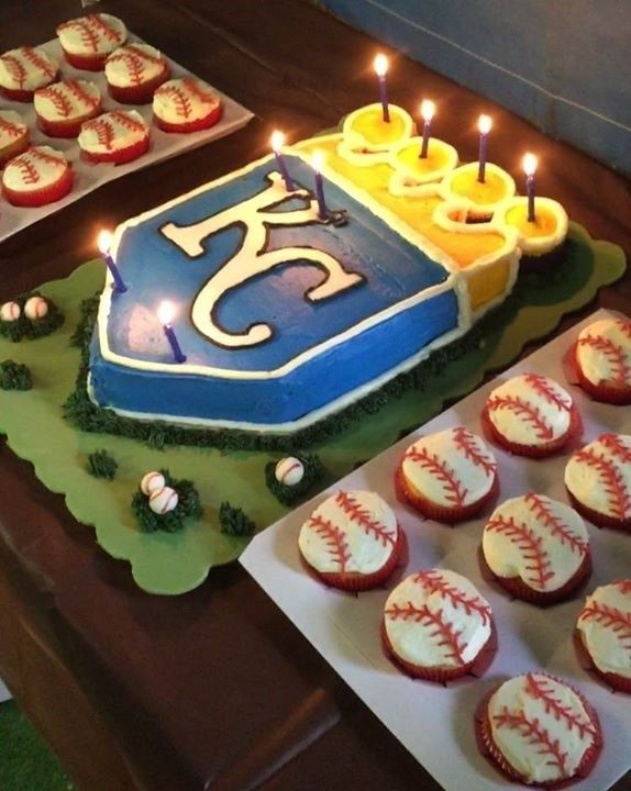 KC Royals Cake with Baseball Cupcakes by Kayla Moor