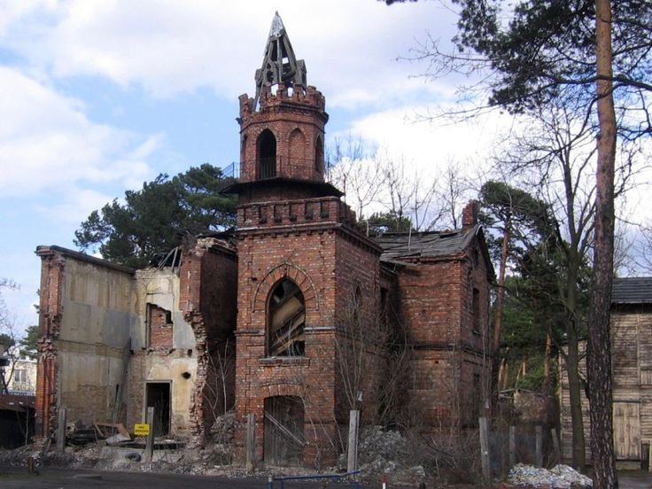 Willa Julia in Otwock, Poland, decaying. I like how it's almost a cross-section. Gothic Revival, built in 1893.