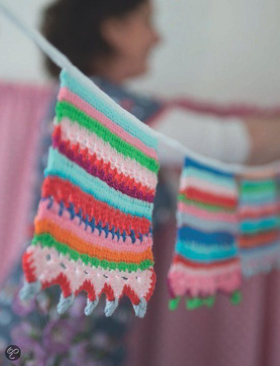 #DIY Vlaggetjes! Creatief!  Haken en kleur, Claire Boeter  Saskia Laan | 9789082039931 | Kijk in het inkijkexemplaar hoe je ze maakt!