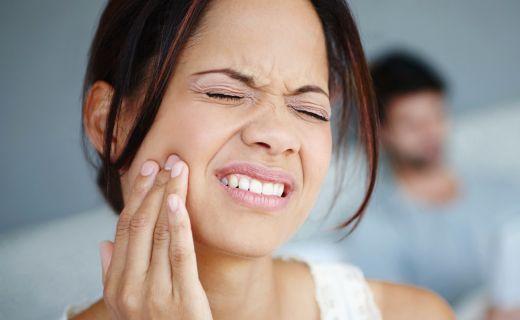 Kvapnite si toto do úst a frustrujúca bolesť zuba zmizne za pár sekúnd