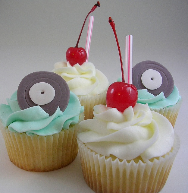 Very Vanilla Record and Milkshake Cupcakes by nettlebasket, via Flickr