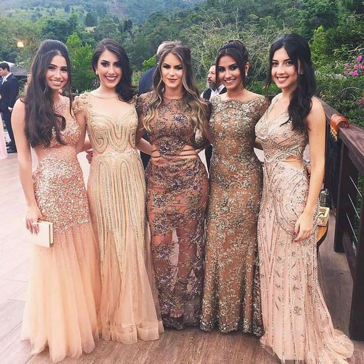 Vestido de festa para formatura ou para madrinhas de casamento com paleta dourada
