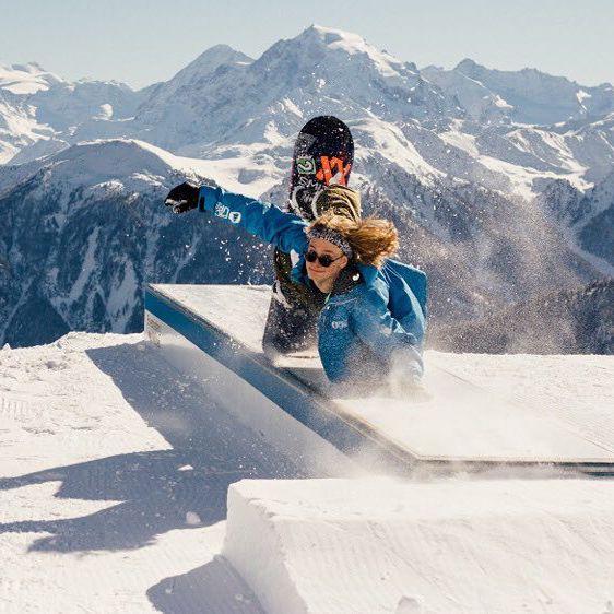 Marc Grossgasteigerripping in the woods 🌲 🌲 🌲 Hit the link to watch his latest FULL SKI SEGMENT →→ https://youtu.be/yVTXsxga3B8 🎥 daniel.tschurtschenthaler #levelgloves #snowboardgloves #wintergloves