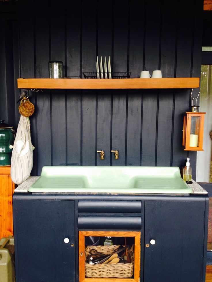 Recycling sink in sideboard to make our outdoor kitchen